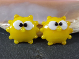 IKGE059: Pair Sunny's Yellow DoubleSided, appx 19mm