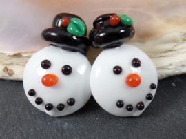 IKZW0023: Set van 2 SneeuwMannen DubbelZijdig, ca 25mm