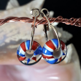 BL0001: Goldcolor earrings with homemade glassbeads