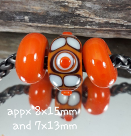 IKOR057: Set of 3x Big Hole Bead Orange, 8x15mm and 7x13mm (5mm hole)