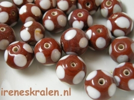 GB810:  Caramel Dotted, 10mm, lampwork