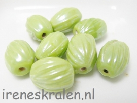 GG 178 Ovaal Ribbel lime, 14x9mm lampwork