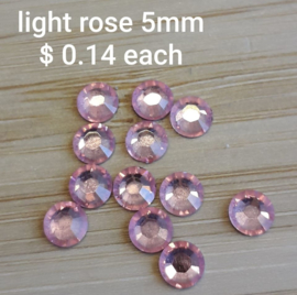 Plaksteen Light Rose 5mm Swarovski