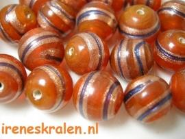 GO 40 Ronde kraal oranje met blauwe en aventurine streep 13mm, lampwork