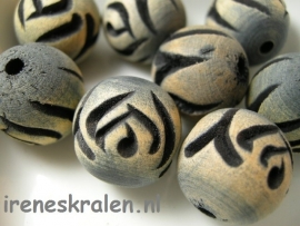 Gzwt 110 Wooden Bead HandCarved 19mm (3.2mm hole)