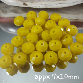 GE04: Faceted Yellow, appx 7x10mm