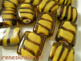 GB 100  Platte kraal inside color zebrastrepen, 16mm lampwork
