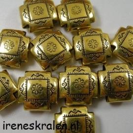 Gd 075: Vierkante kraal met hoekjes eruit, metallook goudkleur, 16x16mm