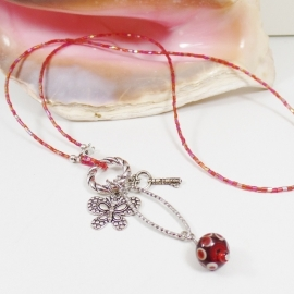 RD 0003: Halflong necklace luster red