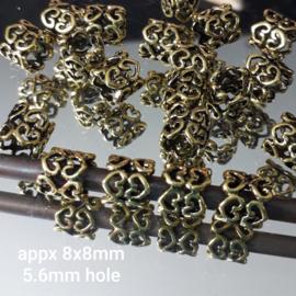 GD 020: Big Hole Bead Hearts OldGoldColor, appx 8x8mm