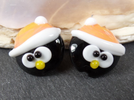 IKZW0158: Pair Penguins with LightCoral Hat DoubleSided, appx 19mm