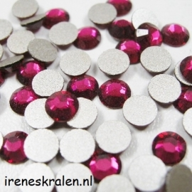 Plaksteen 4mm Ruby, Swarovski