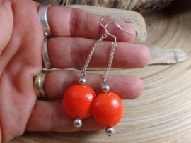 OR 0013: Oorbellen met zelfgemaakte glaskralen oranje