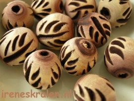 GB120: Wooden Bead Carved, 18x16mm