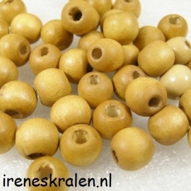 GB032: Wooden Bead, 8mm, 3mm hole