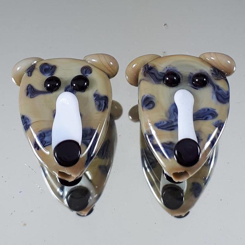 IKBR0241: Set van 2 Honden DubbelZijdig, ca 19mm