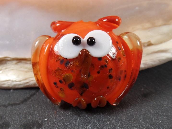 Big Lentil Owl Orange, appx 25x32mm