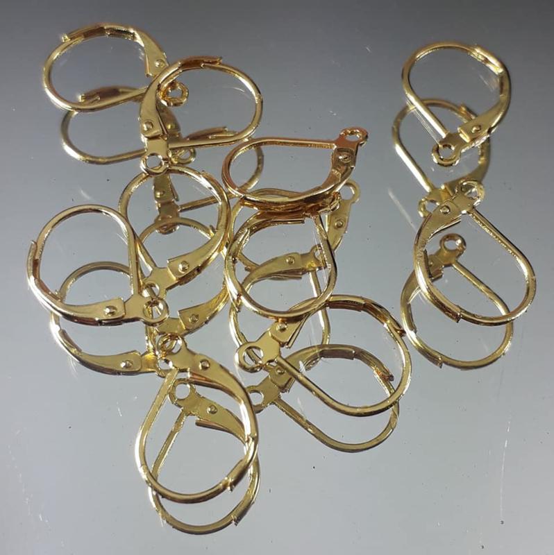 Oorhaken klap goudkleur 15x10mm, per 6 stuks