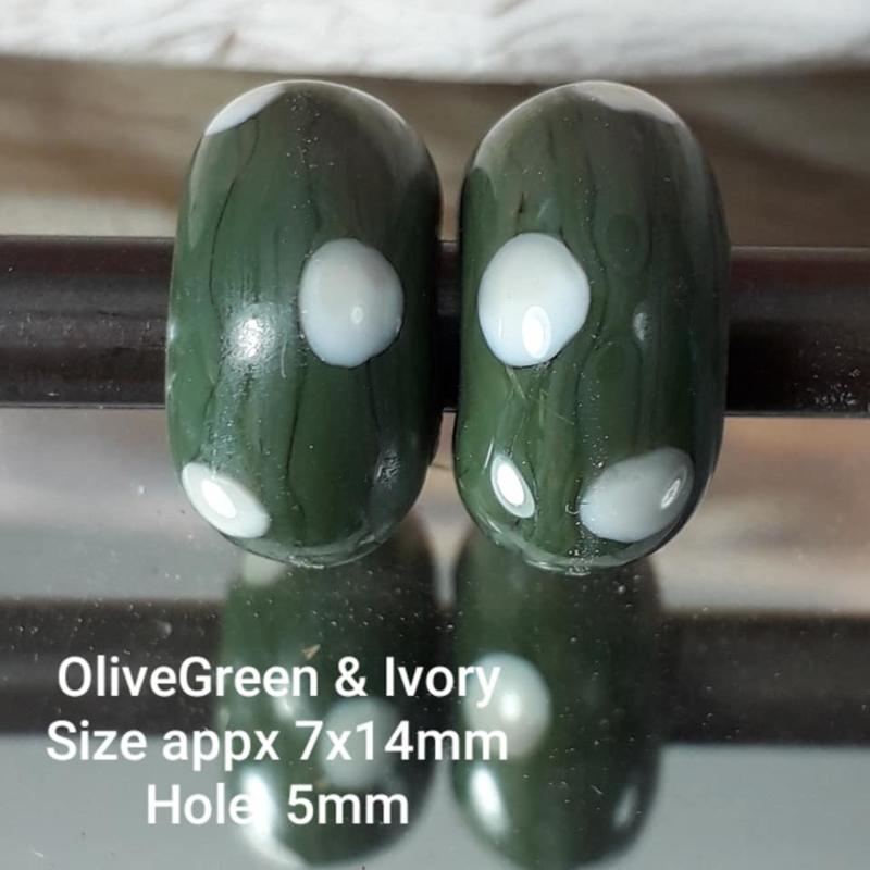 IKGR0162: Set of 2xBigHoleBead, OliveGreen Dots, appx 7x14mm (5mm hole)