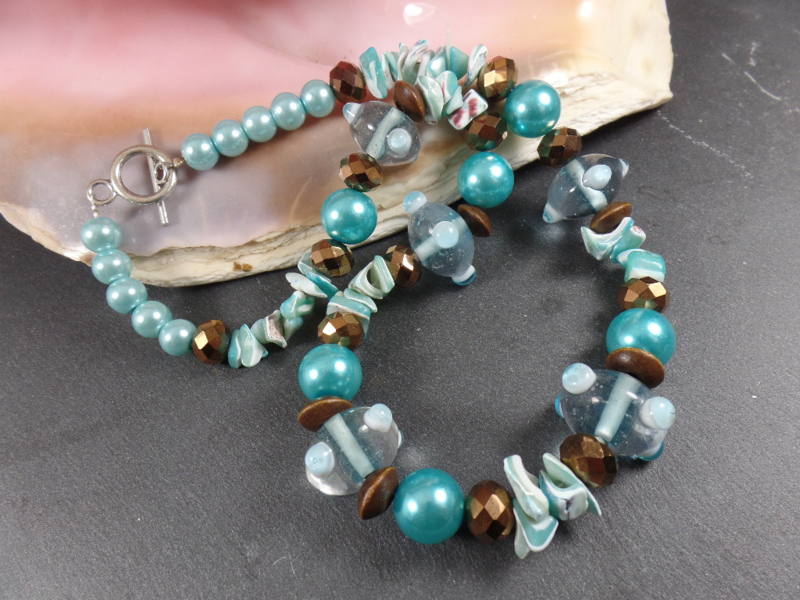TU0010: Turquoise & Brown Necklace