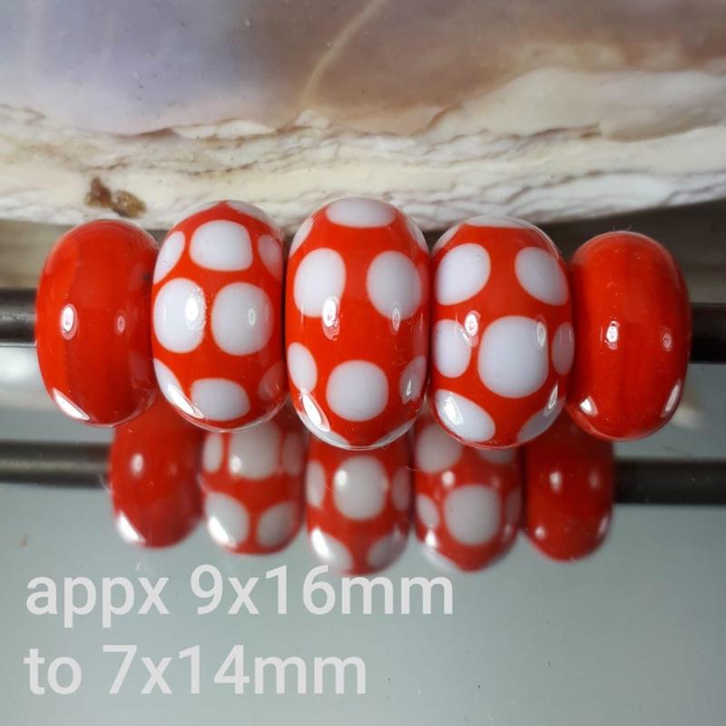 IKOR010: Set van 5x GrootGatKralen Oranje
