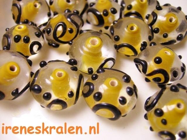 GE01: Inside color rondell, licht-oranje met zwarte versiering, 12x15mm, lampwork