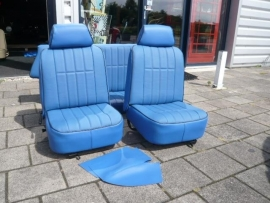Cooper interieur Cornflower blue/zwarte piping
