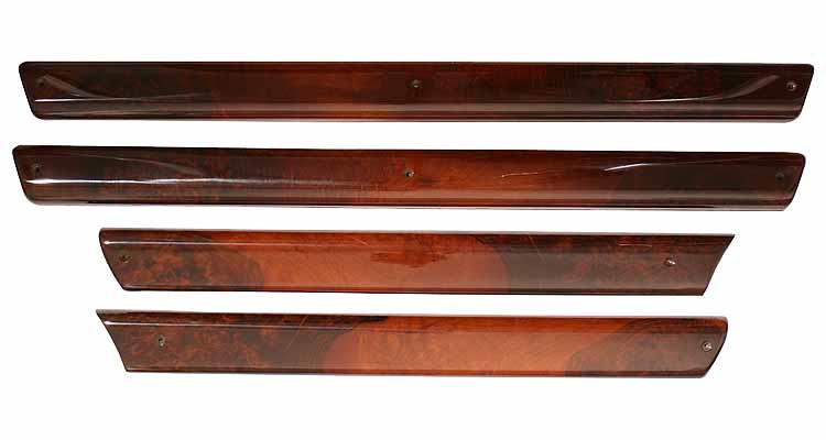 Deurlijsten set notenhout