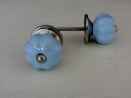 Brocante knop klein l.blauw