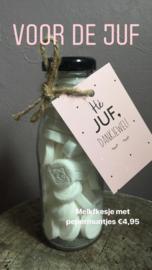 Melk flesje met pepermuntjes