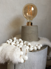 Betonnen tafellamp