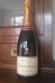 Laurent Perrier Brut L-P     € 36,= per fles
