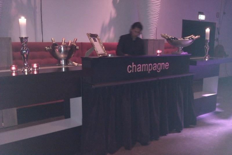 Champagnebar € 0,=