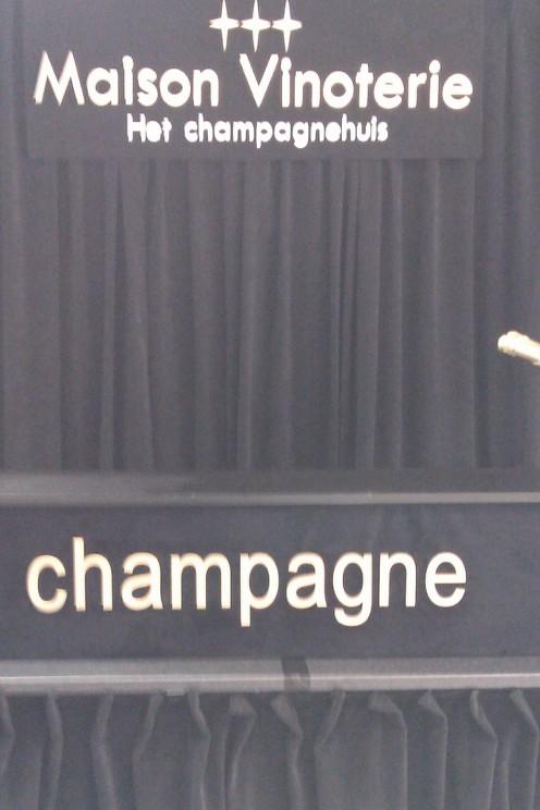 Logo Maison Vinoterie - Wij garanderen de laagste prijs voor de beste champagnes!