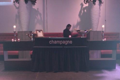 Verlengde champagnebar - Maison Vinoterie - Gegarandeerd de laagste prijzen voor de beste champagnes!