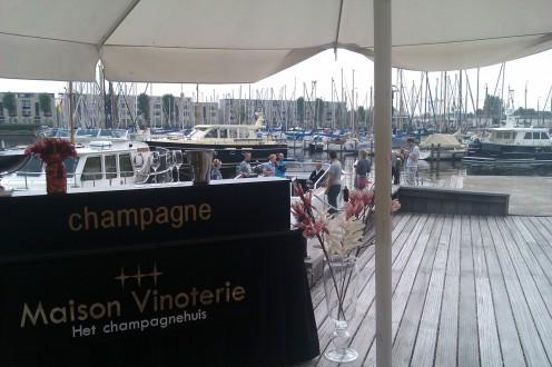 Kleine champagnebar - Maison Vinoterie - Gegarandeerd de laagste prijzen voor de beste champagnes!