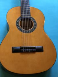 Gomez 1/2 size classic guitar