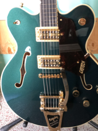 GRETSCH G6609TG PLAYERS EDITION BROADKASTER® CENTER BLOCK DOUBLE-CUT WITH STRING-THRU BIGSBY® AND GOLD HARDWARE