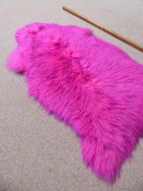 Fuchsia Semi-Long Haired Sheepkin S (8)