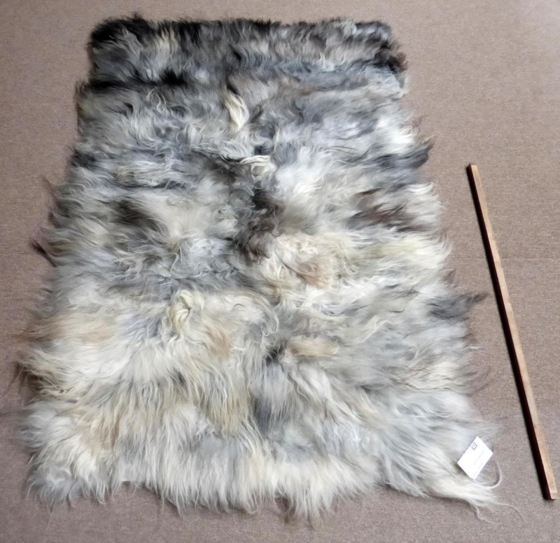 Grey Icelandic Sheepskin Rug 110 X 170 Cm 11 Readily Available Patchwork Rugs Rugs And Hides