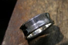 Zilveren vingerafdruk ring hollend