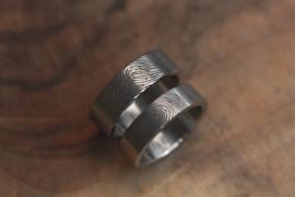 Titanium vingerafdruk ringen met eigen vingerafdruk