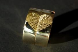 Geelgouden vingerafdruk ringen