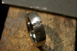 Titanium ring met open zetting en 3mm diamant Vvs Top Wesselton