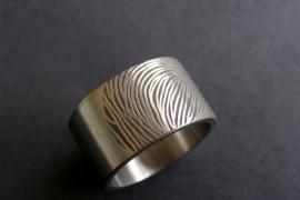 Vingerafdruk ring extra breed plus extra brede vingerafdruk 180c