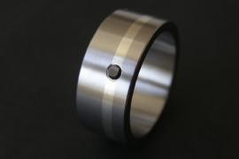 Titanium ring met zilveren band en zwarte diamant
