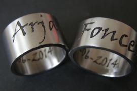 Naam ring gemaakt in Zirkonium