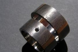 Vingerafdruk ring met zwarte diamant