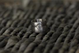 Titanium ring met open hart