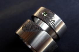 Vingerafdruk ringen met gekleurde diamant